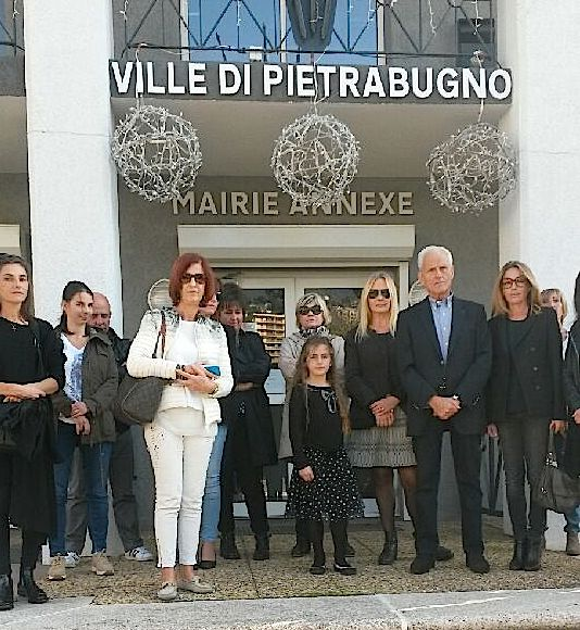 Jean Baggioni, l'ancien président du conseil exécutif a participé à la minute de silence à Ville-di-Pietrabugno,