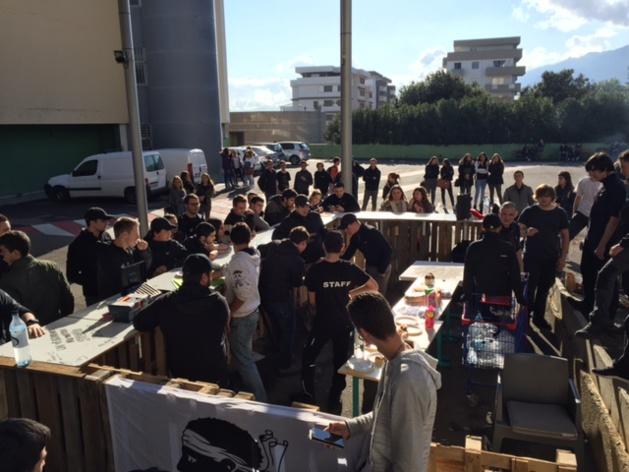 "A Festa di a Nazione des Lycées Scamaroni et Vincensini de Bastia : ""Un vi scurdate di a vostra storia"""