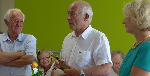 Simon Giuseppi (au centre) lauréat du prix du Livre Corse 2015