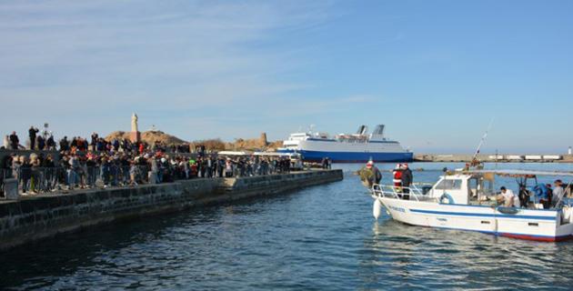 A L'Ile-Rousse le père Noël est revenu par... la mer !