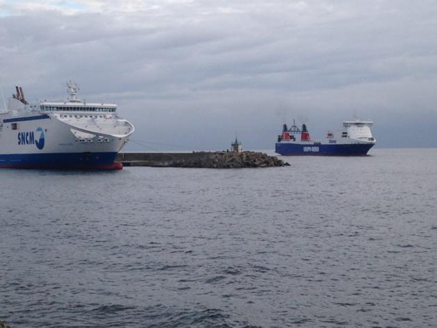 """Le """"Stena Carrier"""", le cargo qui fait polémique, est arrivé à Bastia"""