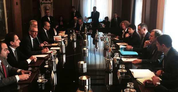 Réunion de travail avec le gouvernement autonome sarde.