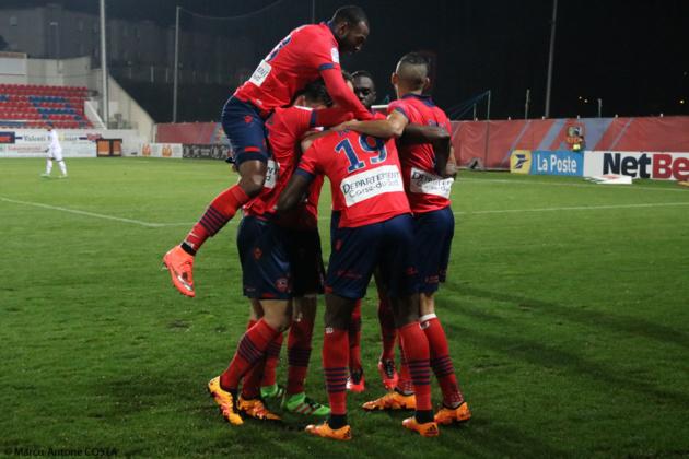 La joie des joueurs du Gazelec après le but de Zoua : Hélas de courte durée. (Photo Marcu-Antone Costa)