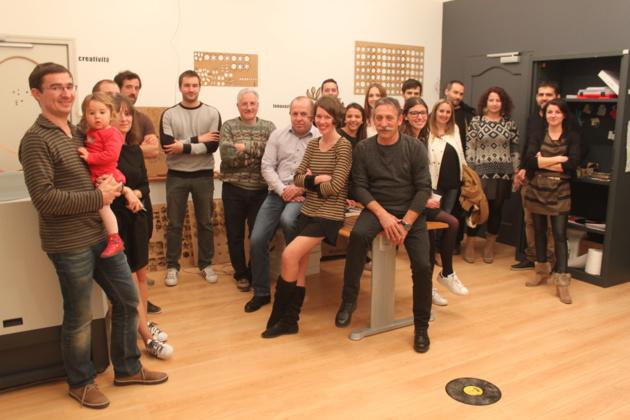 Une partie de l'équipe du Fab Lab et de ses visiteurs