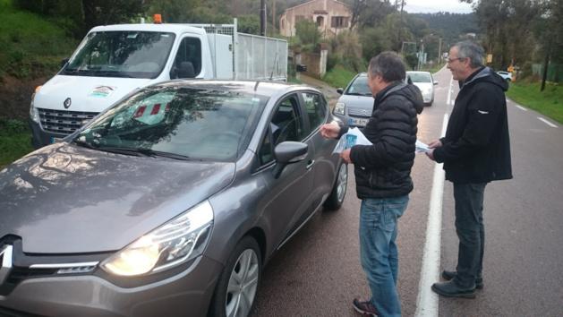 Vallées de la Gravona et du Prunelli : Les maires distribuent des tracts