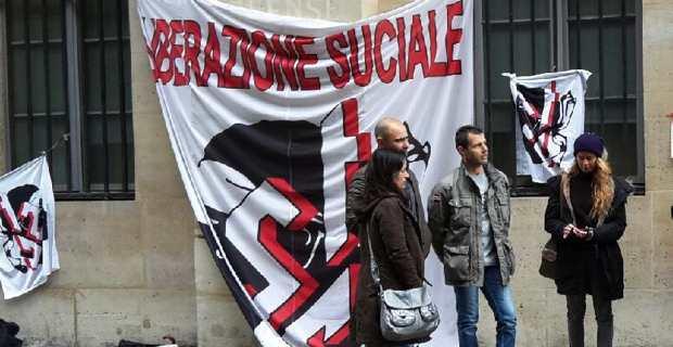 Une délégation du STC, emmenée par Jean Pierre Luciani, devant le Ministère de l'Education Nationale, rue de Grenelle à Paris.