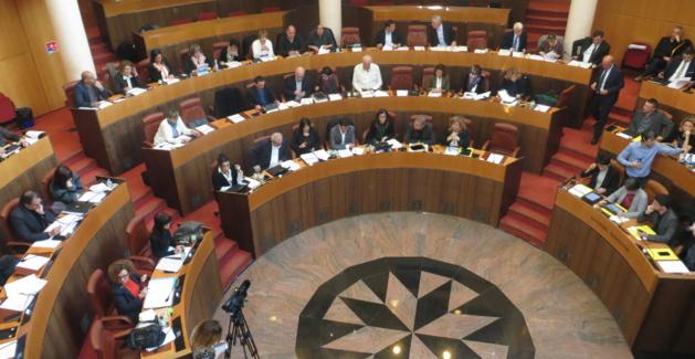 Analyse d'Ange Rovere sur la « Giustifcazione » : La réaction de la majorité territoriale