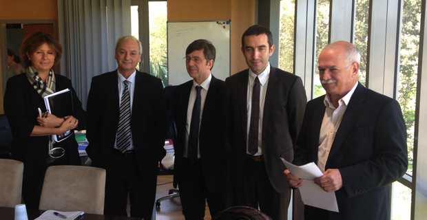 Jean Biancucci, le nouveau président d'Air Corsica, entouré du président du Directoire, Philippe Dandrieux, de son adjoint Hervé Pierret, du directeur commercial et marketing, Jean-Baptiste Martini et de Catherine Riera.