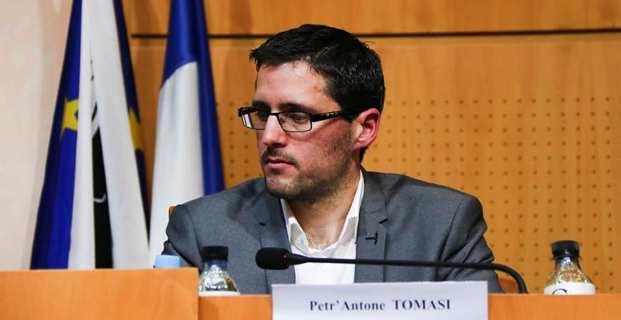 Petr'Antone Tomasi, le président du groupe Corsica Libera à l'Assemblée de Corse, présent à la réunion sur le foncier.