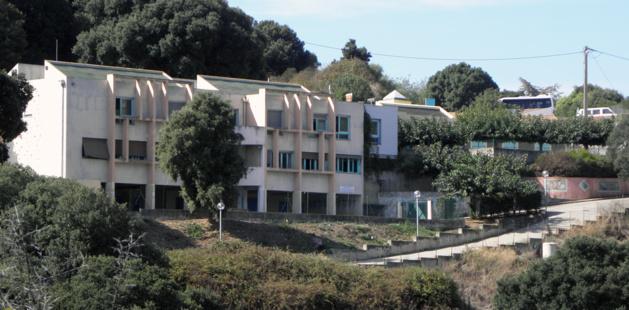 Le groupe scolaire de Pruno (Dr)