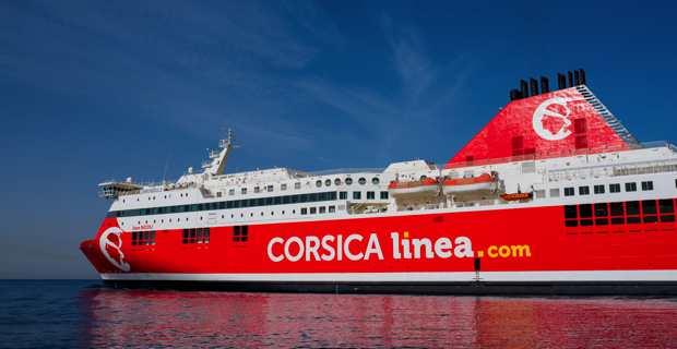Le navire Jean Nicoli, figure de proue de la flotte de la Corsica Linea, aux nouvelles couleurs rouge et blanche de la compagnie.
