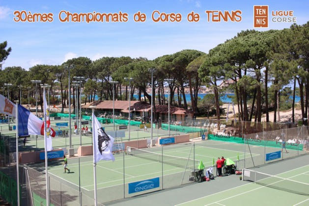 Les courts du TCC Calvi majestueux Photo JP Lottier