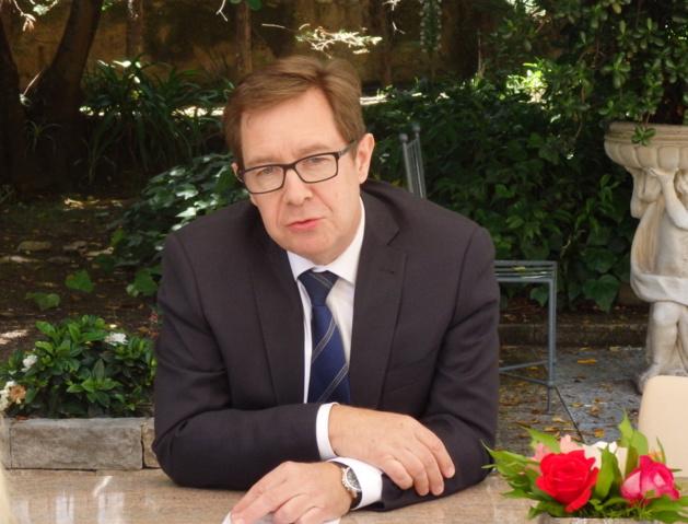 Le nouveau préfet de région Bernard Schmeltz a pris ses fonctions mardi (Photos Marilyne Santi)