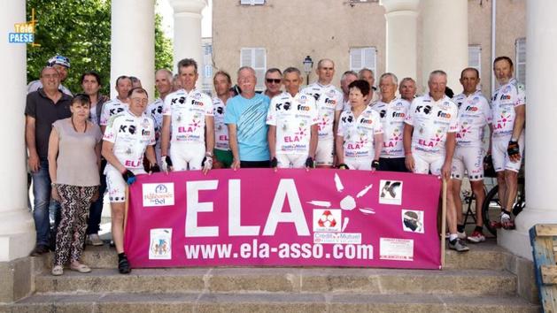 Ils font le tour de Corse en vélo pour l'association ELA