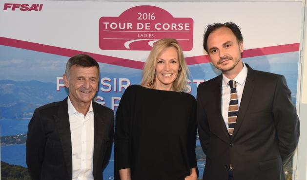 Estelle Lefébure, Marraine du Tour de Corse Ladies, entourée de Nicolas Deschaux, Président de la FFSA et de Bernard Darniche, Ambassadeur du Tour de Corse 10.000 Virages ©DPPI