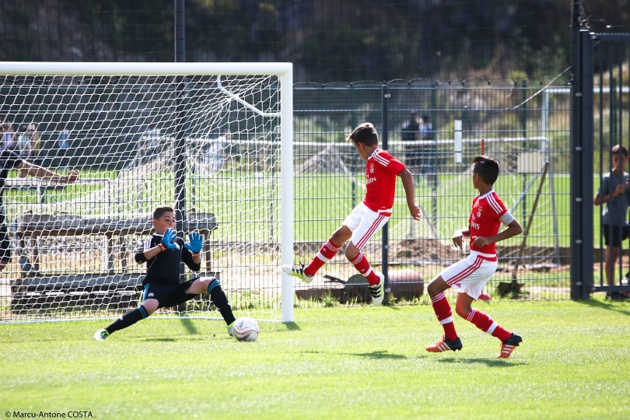 Ci-dessus, les jeunes du Benfica SL face à l'Olympique de Marseille (Photo: Marcu-Antone COSTA)