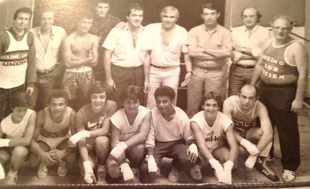 Jo Tarassenko à droite au second rang