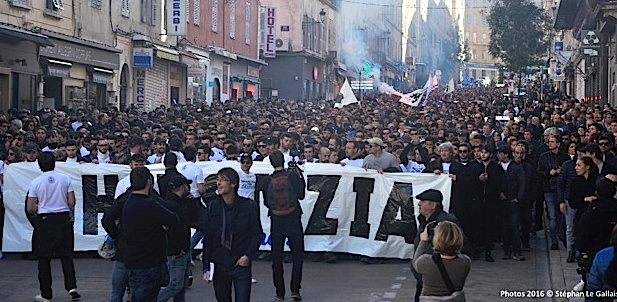 """L'entrevue Bernard Cazeneuve-Maxime Beux : """"Ghjustizia è verità per i nostri""""reste mobilisé"""