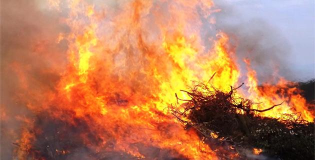 Corte : Le feu derrière l'Oriente déborde vers une villa proche. Une personne de 80 ans incommodée
