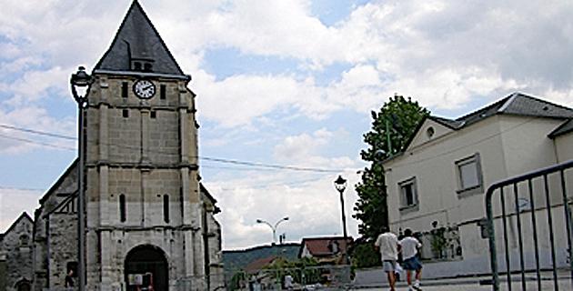 Saint-Etienne-du-Rouvray : L'Eglise ensanglantée. Une messe à la cathédrale d'Ajaccio
