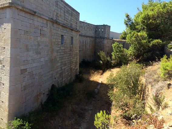 Un vacancier chute dans la fosse du Fort Charley à Calvi