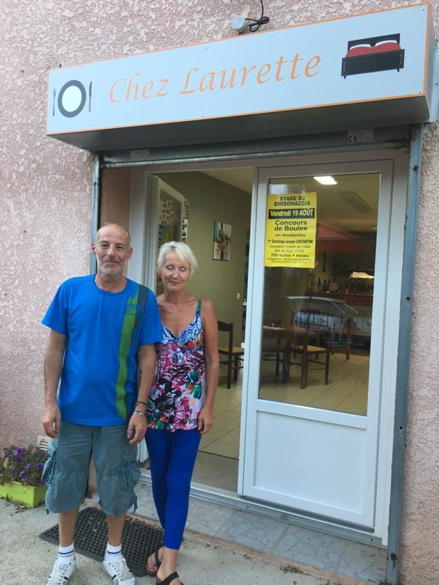 """Dominique et Laurette les nouveaux gérants de l'établissement """"Chez Laurette""""."""