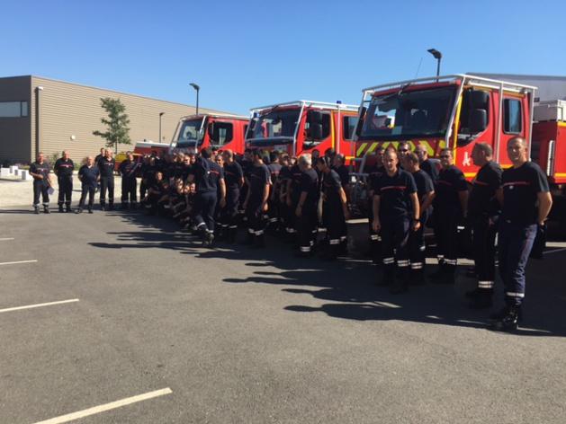 Les pompiers de la Drôme viennent renforcer leurs homologues insulaires.