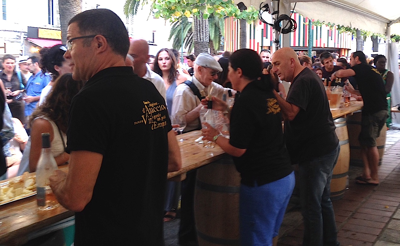 Un soir place Foch…  A la découverte des vins AOC d'Ajaccio