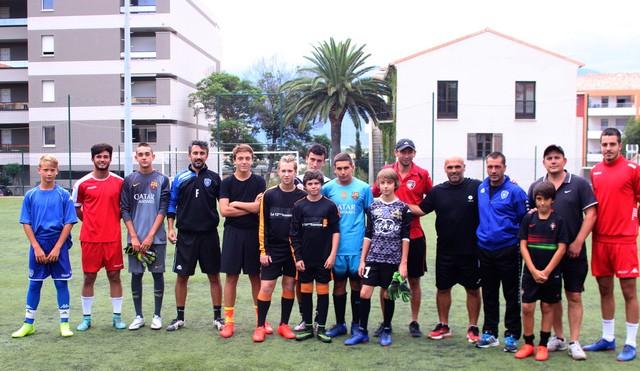 Mickaël D'Amore et Angeot Filiberti (SC Bastia) ont entraîné les jeunes du FC Squadra Calvi