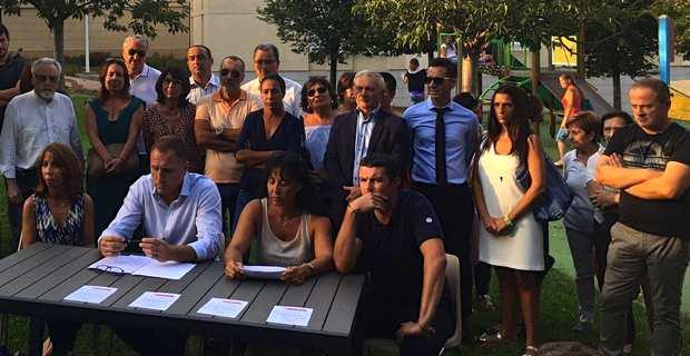 Présentation de la liste, square Victor Hugo, à Lupinu, en présence notamment de François Orlandi, président du Conseil départemental de Haute-Corse, et de François Tatti, président du MCD et de la CAB (Communauté d'agglomération de Bastia).
