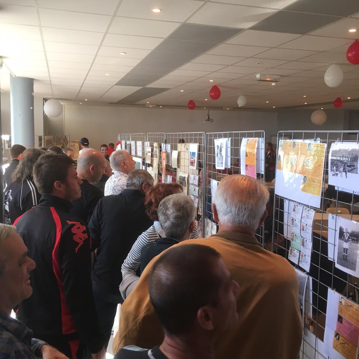 La population est venue en grand nombrer visiter l'exposition sur l'histoire de l'ASA