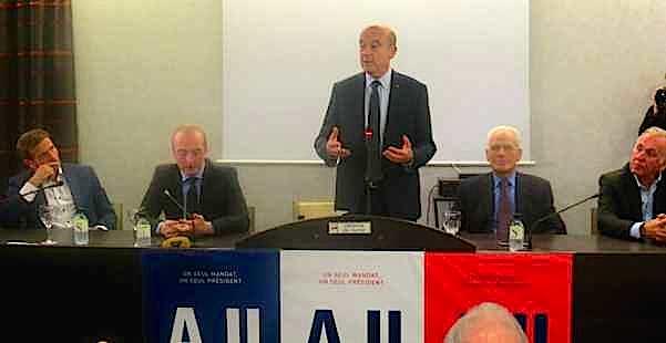 Alain Juppé à Lucciana, entouré de Jean-Martin Mondoloni, Laurent Marcangeli, Jean Baggioni et Jean-Jacques Panunzi.