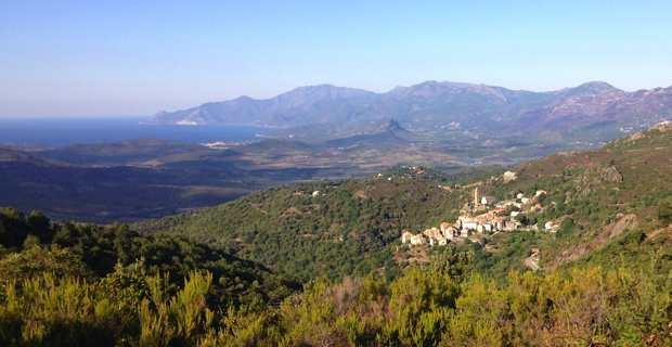 La Corse, une montagne dans la mer.