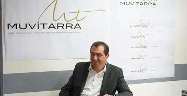 Yoann Habani, Vice-Président de la CAPA en charge des transports et de la mobilité, présentant la nouvelle identité visuelle des transports publics en Pays Ajaccien.