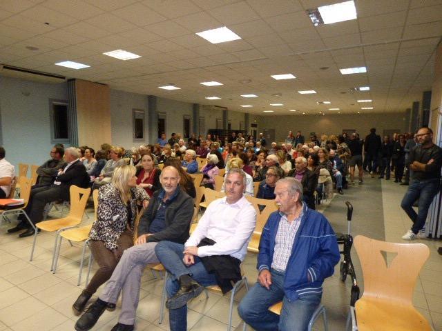 De nombreux élus et leurs adjoints ont assisté à cette réunion publique en plaine orientale.