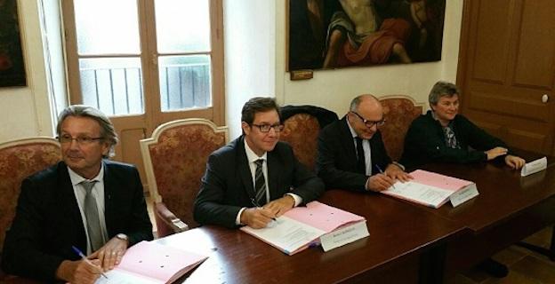 """Sartene : Signature des deux premières """"conventions de ruralité """""""