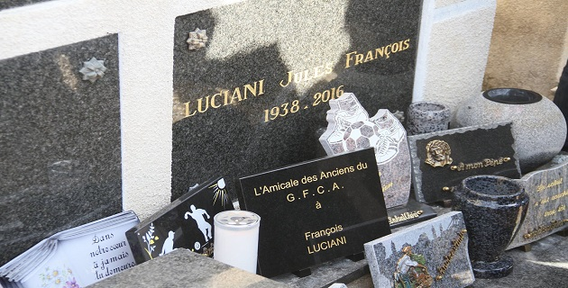 L'hommage de l'amicale des anciens du GFCA à François Luciani