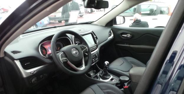 300 véhicules sur la place Saint-Nicolas : L'automobile fait son salon à Bastia