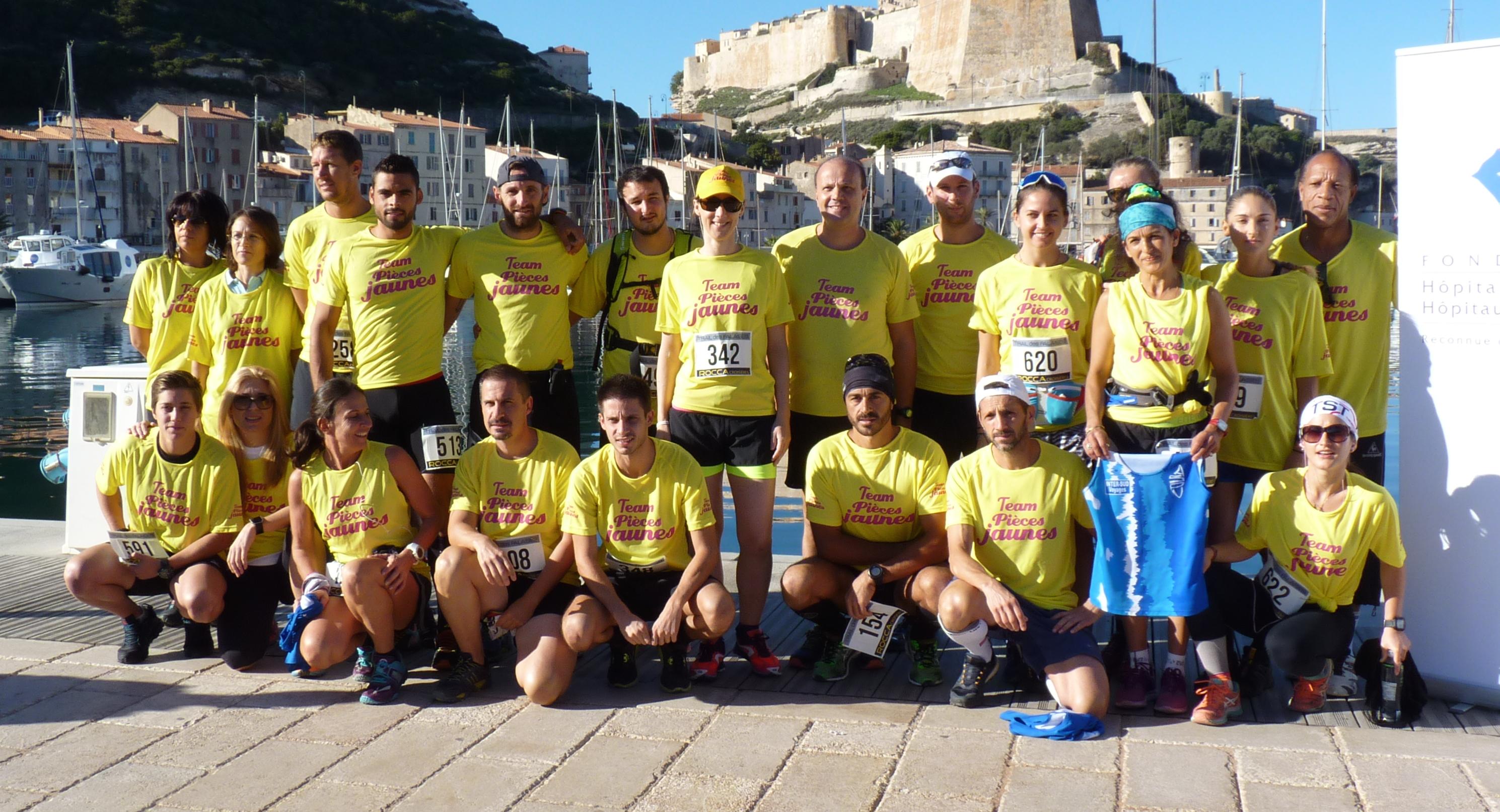 """Bonifacio : Une team """"Pièces jaunes"""" au Trail des falaises"""