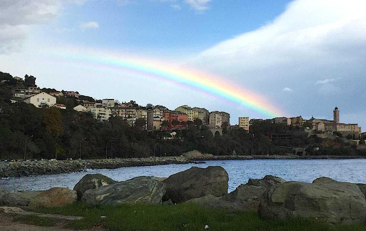 L'image du jour : Arcu balenu sopra Bastia…