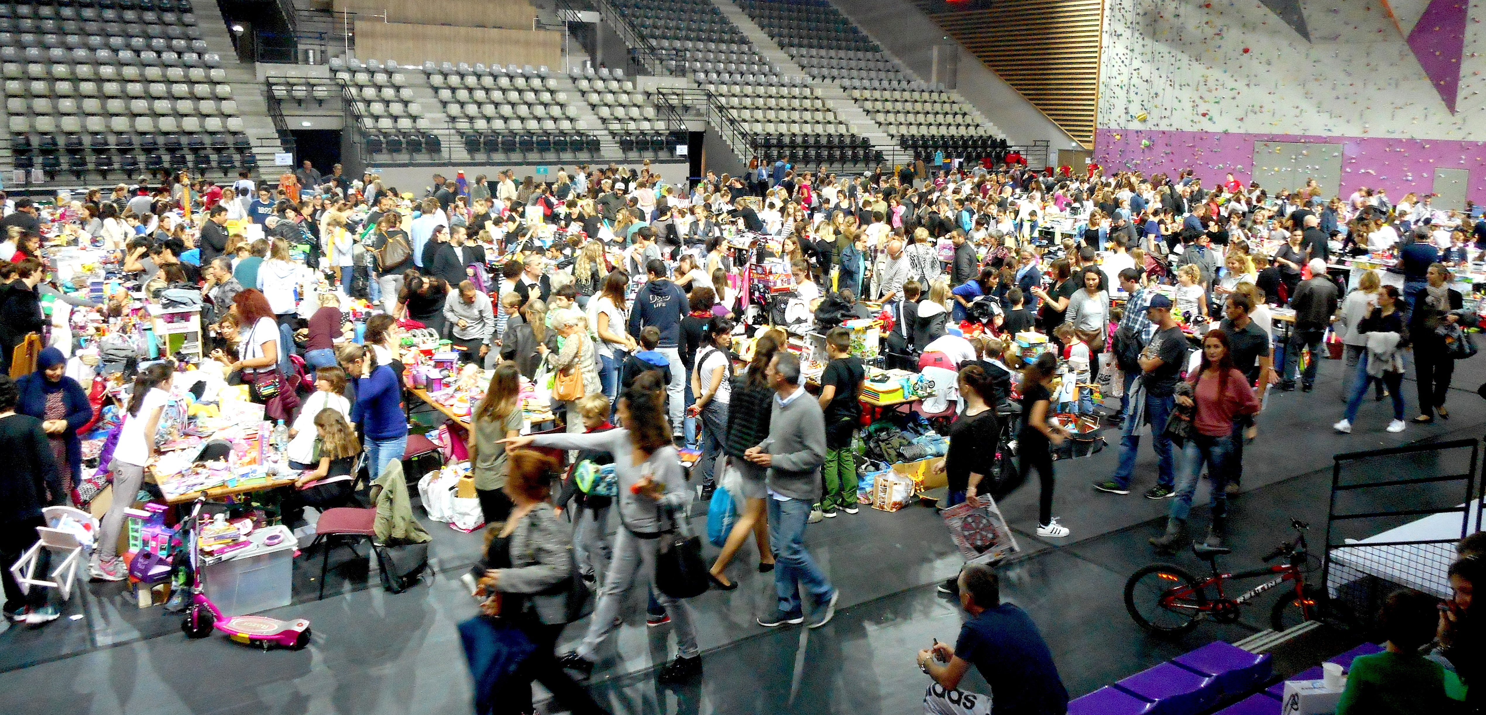 15e marché des jeunes au Palatinu : Entre plaisir et solidarité