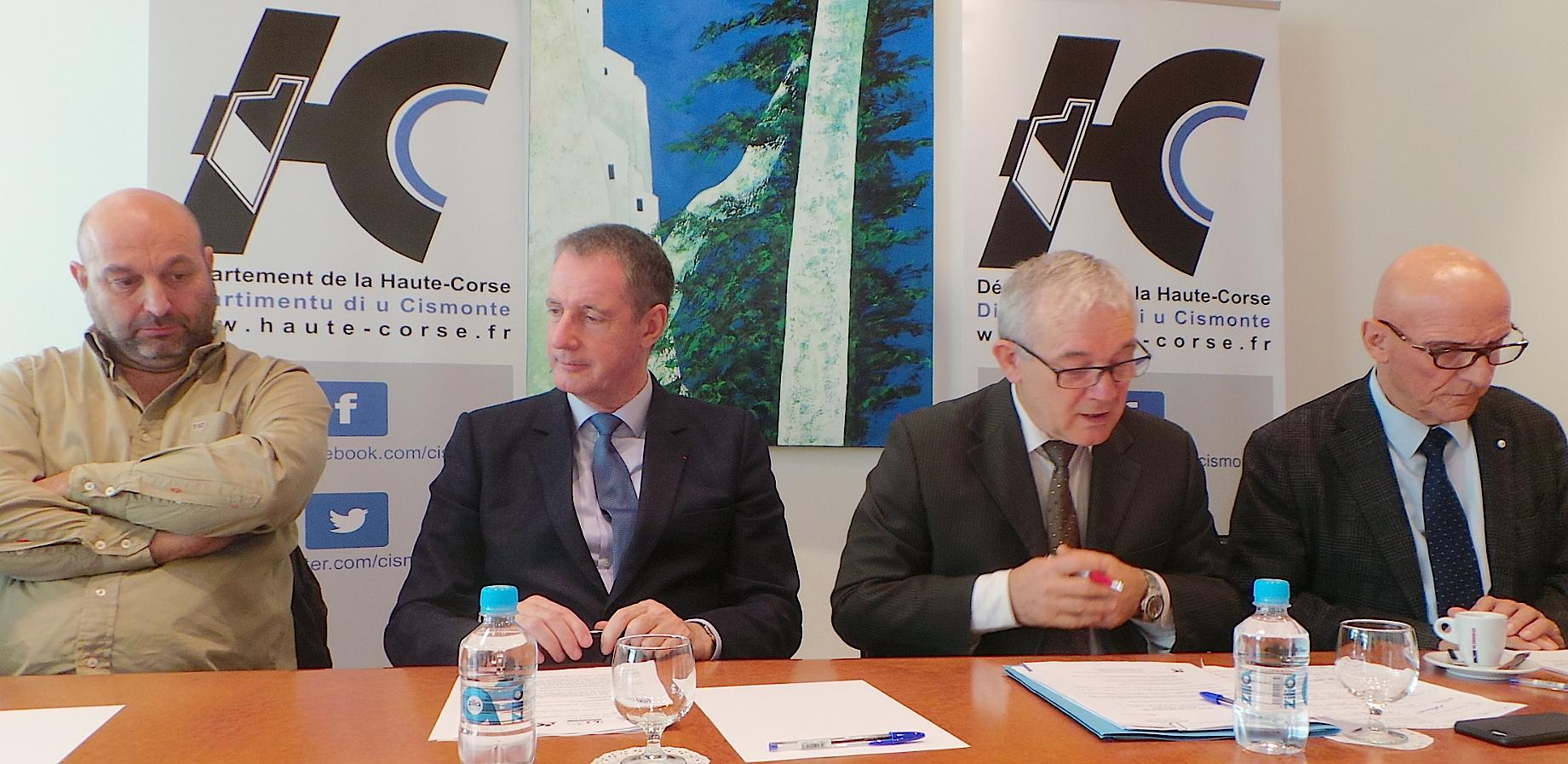 Lionel Mortini, Gilles Barsacq, François Orlandi, Dominique Fieschi (De gauche à droite) : Une charte de solidarité avec les aînés des 5 Pieve