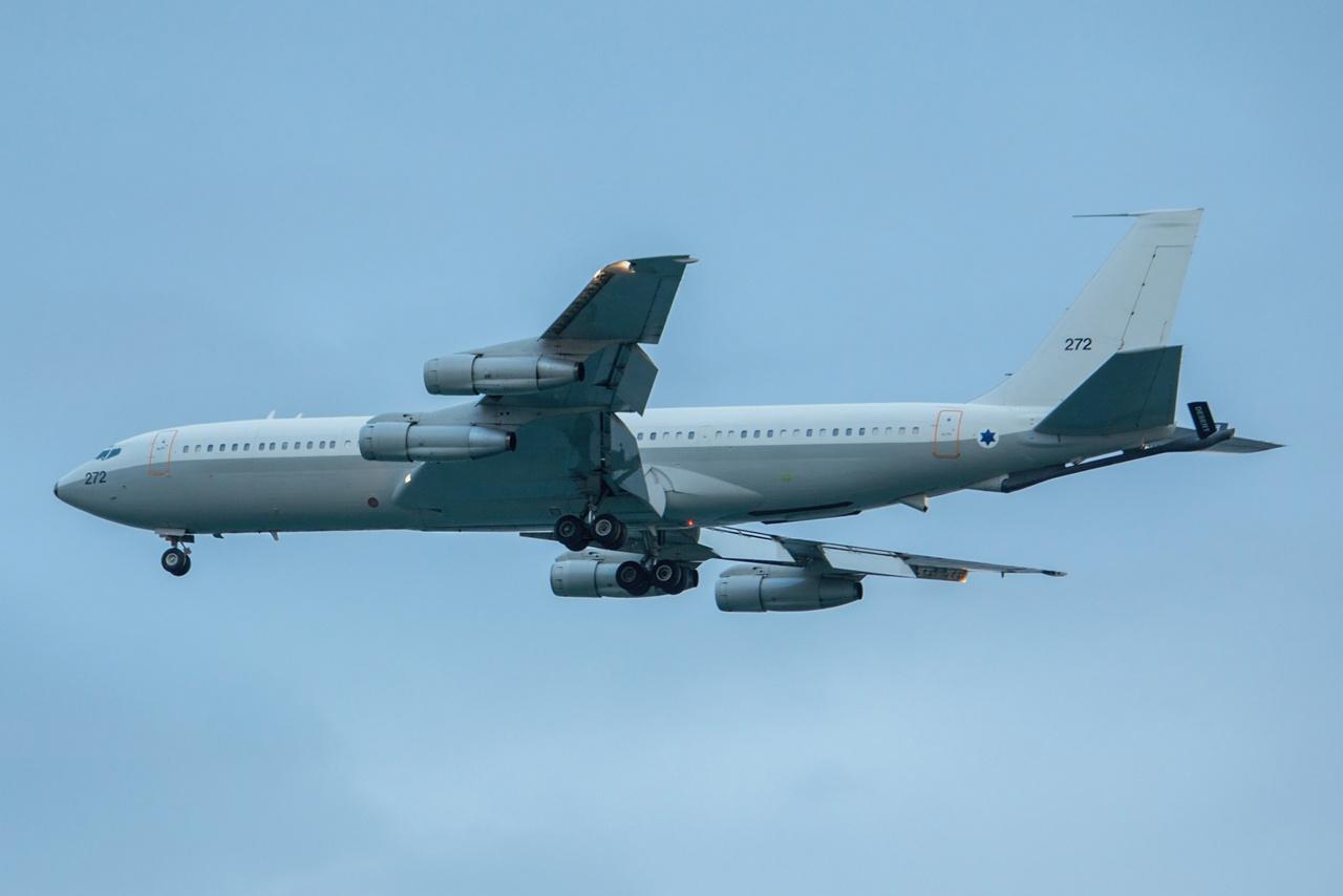 © Jean-Baptiste Gritti - Le ravitailleur KC-707-3L6C - 4X-??? / 272, qui a permis le convoyage des F-15B/D en Corse.