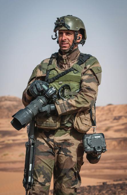Sébastien Dupont, l'image au plus près de l'action. (Photo ECPAD)