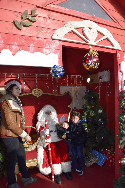 Assurément U Babbu Natale se plaît à Prunelli pour le plus grand bonheur des enfants.