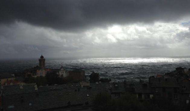 """Météo : La Haute-Corse en vigilance orange """"Orages-pluies-vent"""" à partir de lundi"""