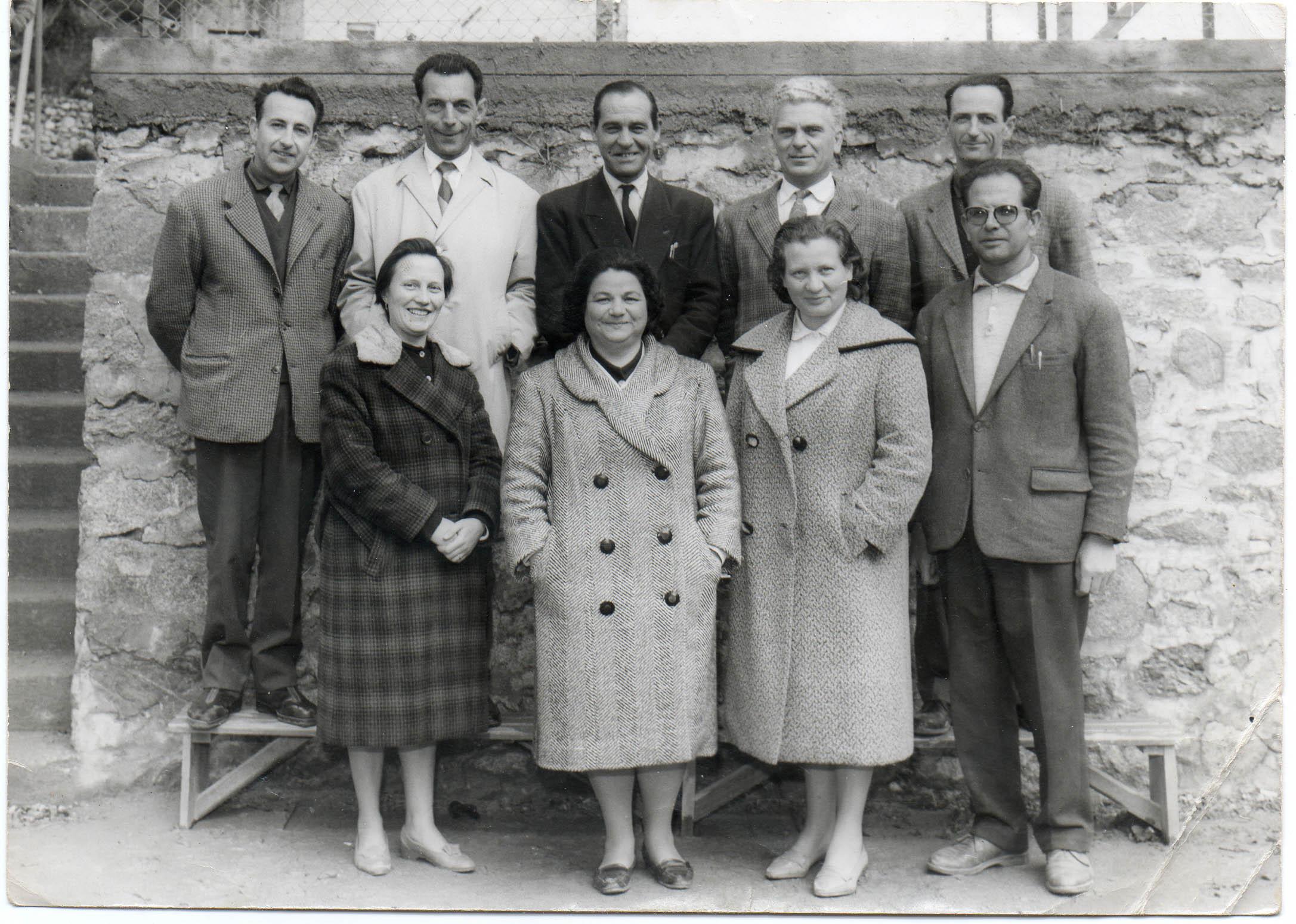 Virginie Mari (en bas à gauche) et ses collègues de Moltifao dans les années 1960.
