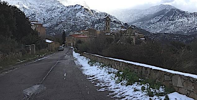 Neige : Les transports scolaires reprennent et les établissements ouvrent sauf à Corte et dans le Centre-Corse