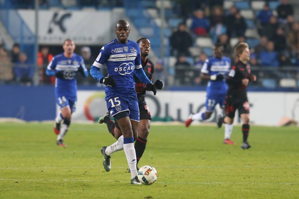 Premier match et premier but pour Prince Oniangué à Furiani (https://www.facebook.com/scbastia)