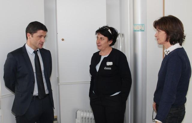 Jean-Félix Acquaviva à la rencontre des agents du comptoir Air France de Calvi menacé de fermeture